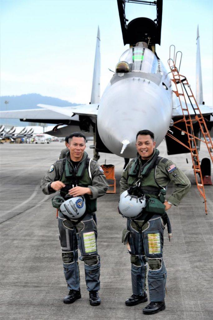 Piloten der Su-30MKM